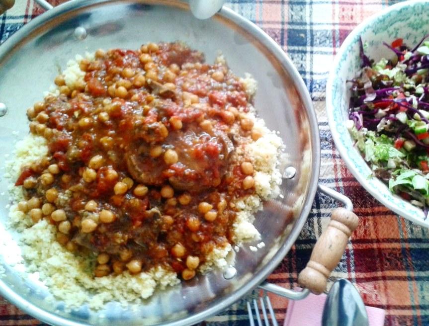 Tajine van lamsvlees, tomaten, kikkererwten &kaneel