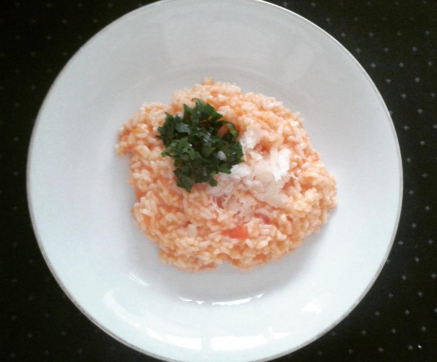 Zachte romige tomaten risotto met Parmezaansekaas